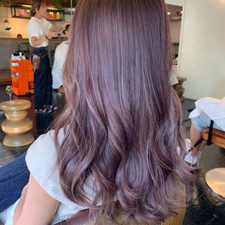 外国人風 ロング フェミニン 艶髪 ヘアスタイルや髪型の写真・画像