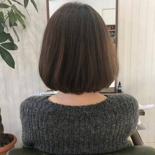 アッシュベージュ ナチュラル 大人女子 艶髪 ヘアスタイルや髪型の写真・画像 ヘアスタイルや髪型の写真・画像