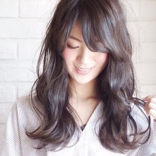 ナチュラル 黒髪 デート 前髪あり ヘアスタイルや髪型の写真・画像