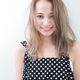 アッシュ 外国人風 ガーリー 大人かわいい ヘアスタイルや髪型の写真・画像