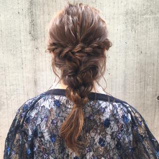 結婚式や街中での視線を釘付けにする♡簡単編み込みヘアアレンジ