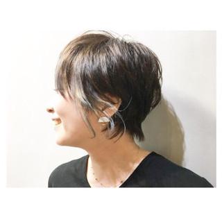 ナチュラル ショート 前髪あり ウルフカット ヘアスタイルや髪型の写真・画像