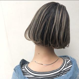 ボブ パーマ グレージュ ハイライト ヘアスタイルや髪型の写真・画像