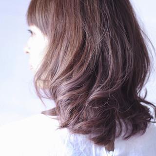 パープルカラー ナチュラル ラベンダーアッシュ パープル ヘアスタイルや髪型の写真・画像