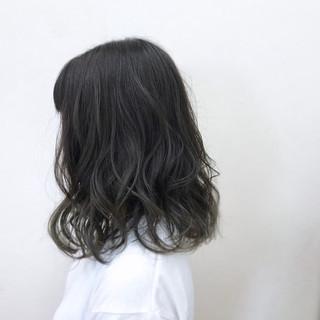 フェミニン ミディアム 透明感 グラデーションカラー ヘアスタイルや髪型の写真・画像