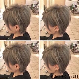 外国人風 グレージュ ストリート アッシュ ヘアスタイルや髪型の写真・画像 ヘアスタイルや髪型の写真・画像