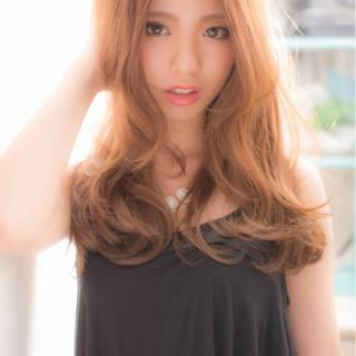 外国人風 ミディアム 大人かわいい ナチュラル ヘアスタイルや髪型の写真・画像