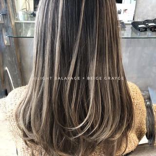 バレイヤージュ 西海岸風 アンニュイほつれヘア ナチュラル ヘアスタイルや髪型の写真・画像