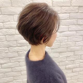 ショート アンニュイほつれヘア ナチュラル スポーツ ヘアスタイルや髪型の写真・画像