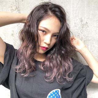外国人風カラー ラベンダー ストリート セミロング ヘアスタイルや髪型の写真・画像