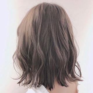 ミディアム コンサバ インナーカラー ヘアスタイルや髪型の写真・画像