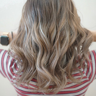 透明感カラー セミロング ストリート ハイライト ヘアスタイルや髪型の写真・画像