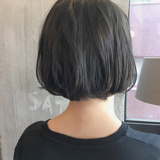 リラックス オフィス アンニュイ ボブ ヘアスタイルや髪型の写真・画像