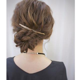 パーティ ミディアム ヘアアレンジ ルーズ ヘアスタイルや髪型の写真・画像