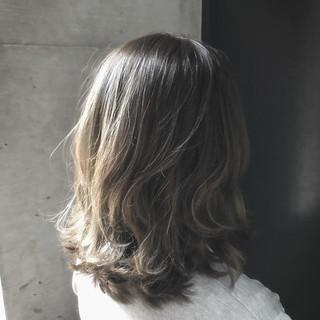ミディアム アッシュ モテ髪 大人かわいい ヘアスタイルや髪型の写真・画像