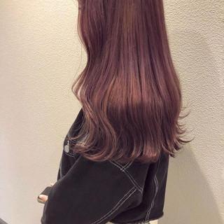 ラベンダーピンク フェミニン ピンクバイオレット ピンクベージュ ヘアスタイルや髪型の写真・画像