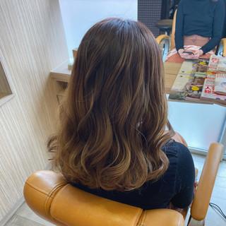 イルミナカラー ガーリー グラデーションカラー セミロング ヘアスタイルや髪型の写真・画像