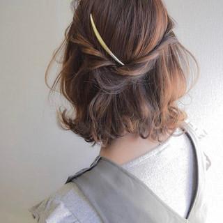 ヘアアレンジ ナチュラル ショート デート ヘアスタイルや髪型の写真・画像 ヘアスタイルや髪型の写真・画像
