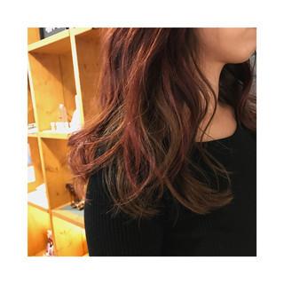 冬 ピンク ミディアム フェミニン ヘアスタイルや髪型の写真・画像