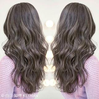 ストリート 大人女子 暗髪 ニュアンス ヘアスタイルや髪型の写真・画像