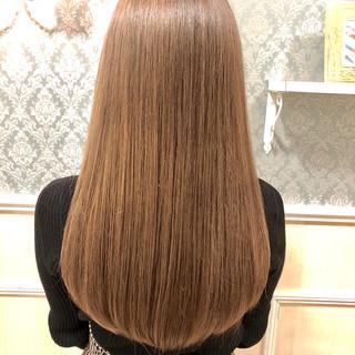 レイヤーロングヘア インナーカラー レイヤーカット ナチュラル ヘアスタイルや髪型の写真・画像