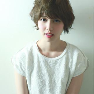 ショート ピュア 大人かわいい アッシュ ヘアスタイルや髪型の写真・画像