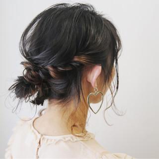 ヘアアレンジ 簡単ヘアアレンジ デート ミディアム ヘアスタイルや髪型の写真・画像