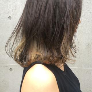 アッシュ 透明感 ミディアム インナーカラー ヘアスタイルや髪型の写真・画像