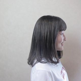 ミディアム パーマ 黒髪 グレージュ ヘアスタイルや髪型の写真・画像