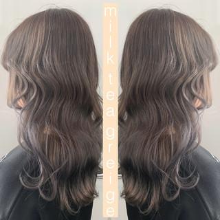 フェミニン ダブルカラー 外国人風カラー ミルクティーベージュ ヘアスタイルや髪型の写真・画像