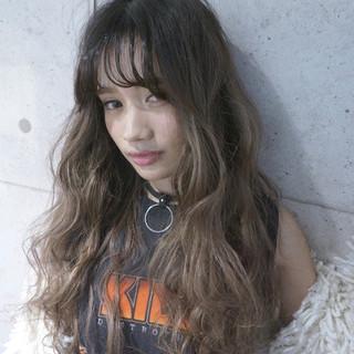 波ウェーブ ロング 透明感 ストリート ヘアスタイルや髪型の写真・画像