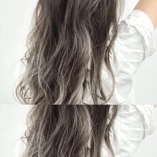 ロング リラックス 外国人風 ハイライト ヘアスタイルや髪型の写真・画像