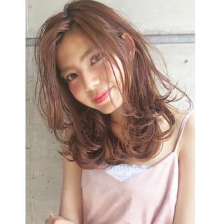 アッシュ 外国人風 ガーリー かわいい ヘアスタイルや髪型の写真・画像 ヘアスタイルや髪型の写真・画像