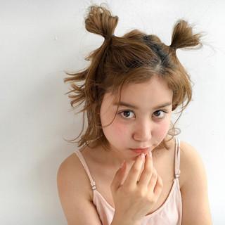 簡単ヘアアレンジ ショート ヘアアレンジ くせ毛風 ヘアスタイルや髪型の写真・画像