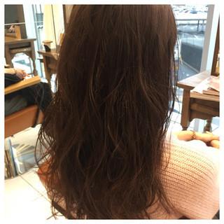 ロング ニュアンス 波ウェーブ ハイライト ヘアスタイルや髪型の写真・画像