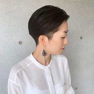 モード ショート 刈り上げショート 刈り上げ女子 ヘアスタイルや髪型の写真・画像