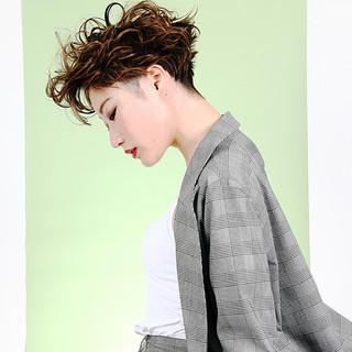 ストリート パーマ ショート 小顔 ヘアスタイルや髪型の写真・画像 ヘアスタイルや髪型の写真・画像