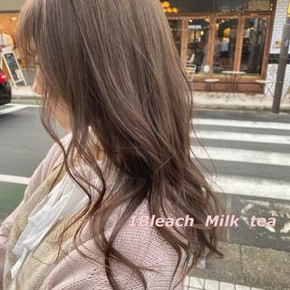 ロング インナーカラー ミルクティーベージュ 切りっぱなしボブ ヘアスタイルや髪型の写真・画像