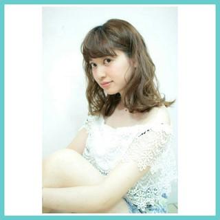ゆるふわ ワイドバング パーマ フェミニン ヘアスタイルや髪型の写真・画像