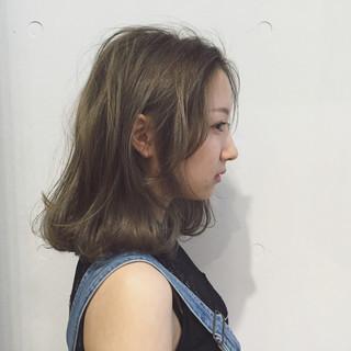 イルミナカラー 外国人風 ストリート ハイライト ヘアスタイルや髪型の写真・画像 ヘアスタイルや髪型の写真・画像