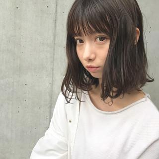 前髪あり 暗髪 冬 フェミニン ヘアスタイルや髪型の写真・画像