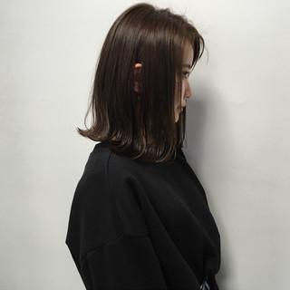 ナチュラル ロブ 外ハネボブ 透明感カラー ヘアスタイルや髪型の写真・画像