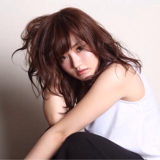 ミディアム 抜け感 前髪あり かわいい ヘアスタイルや髪型の写真・画像 ヘアスタイルや髪型の写真・画像