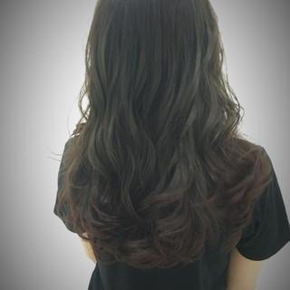 ロング 外国人風 ストリート オリーブアッシュ ヘアスタイルや髪型の写真・画像 ヘアスタイルや髪型の写真・画像