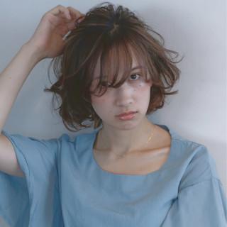 ミディアム 前髪あり パーマ 外国人風 ヘアスタイルや髪型の写真・画像