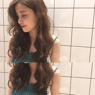 ガーリー パーマ ゆるふわ フェミニン ヘアスタイルや髪型の写真・画像
