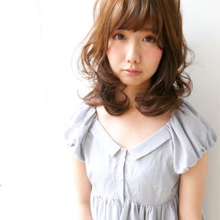 前髪あり フェミニン ゆるふわ セミロング ヘアスタイルや髪型の写真・画像