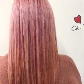 ブリーチ ロング ピンク ガーリー ヘアスタイルや髪型の写真・画像