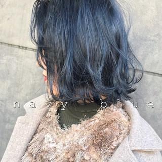 ブルーブラック 切りっぱなしボブ ストリート ミニボブ ヘアスタイルや髪型の写真・画像