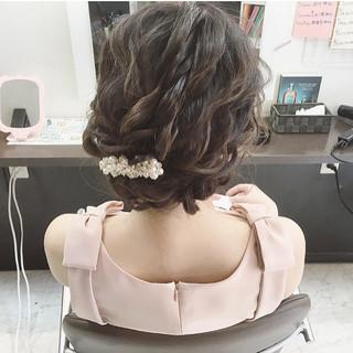 結婚式 セミロング ガーリー ヘアアレンジ ヘアスタイルや髪型の写真・画像 ヘアスタイルや髪型の写真・画像